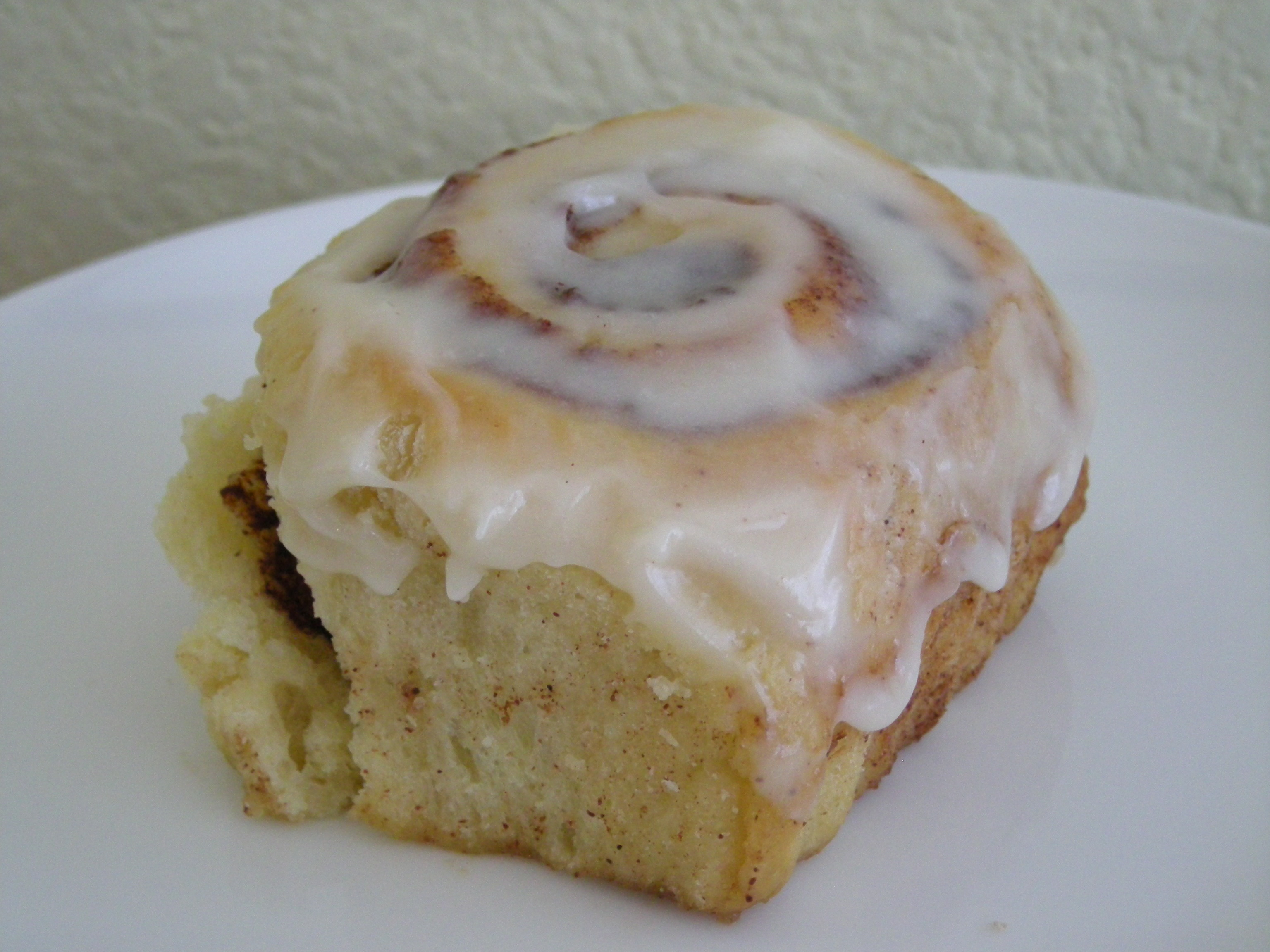 Puffy Cinnamon Rolls with Cream Cheese Icing | Cupcake High